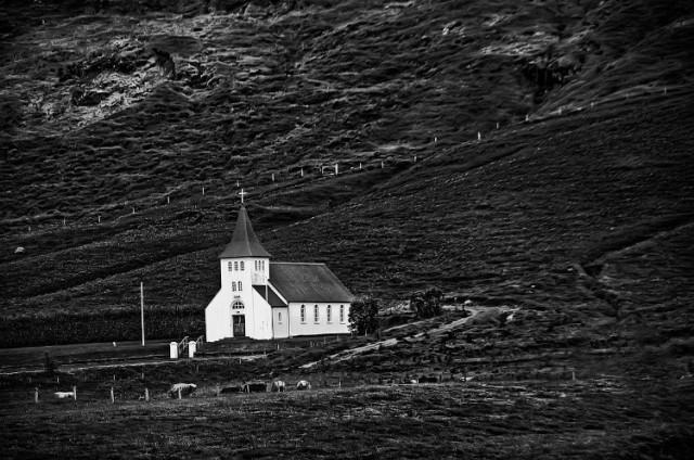 1Ásolfsskálakikja Church in Moldnúpur I b&w Daniel Schwabe