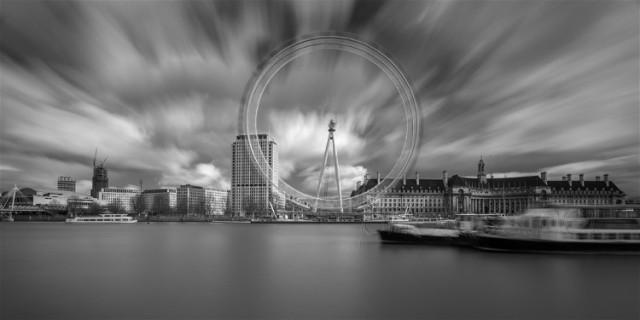 9The All-Seeing Eye. London photoss.net